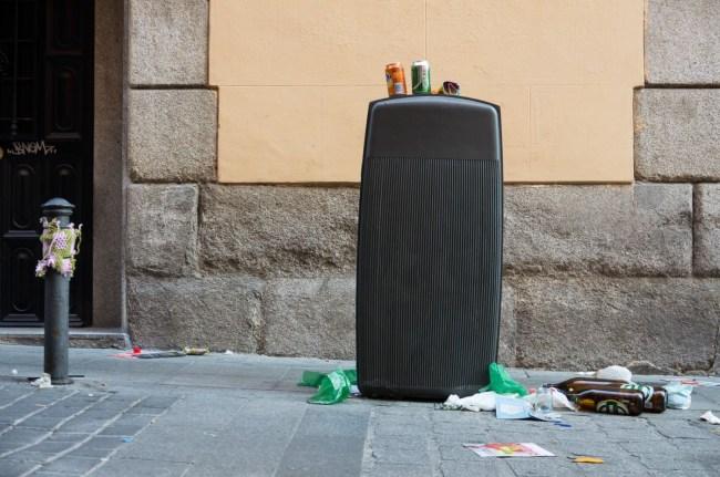 Bolardos y basura (9)