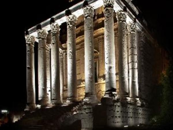 Visitas guiadas no Foro Romano à noite