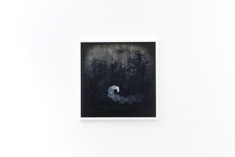 Thomas Scalco, Monochrono, 2015, tecnica mista su tela, cm 70x70, opera vincitrice di Arteam Cup 2015, Categoria Under 30