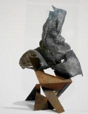 Amma, 1997, cm 103x90x150, rete metallica e ferro in lastra