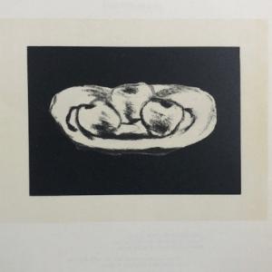 Braque Lithograph p71, Pommes sur fond noir