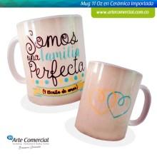 Mug Familia Perfecta Crema y Azul_logo