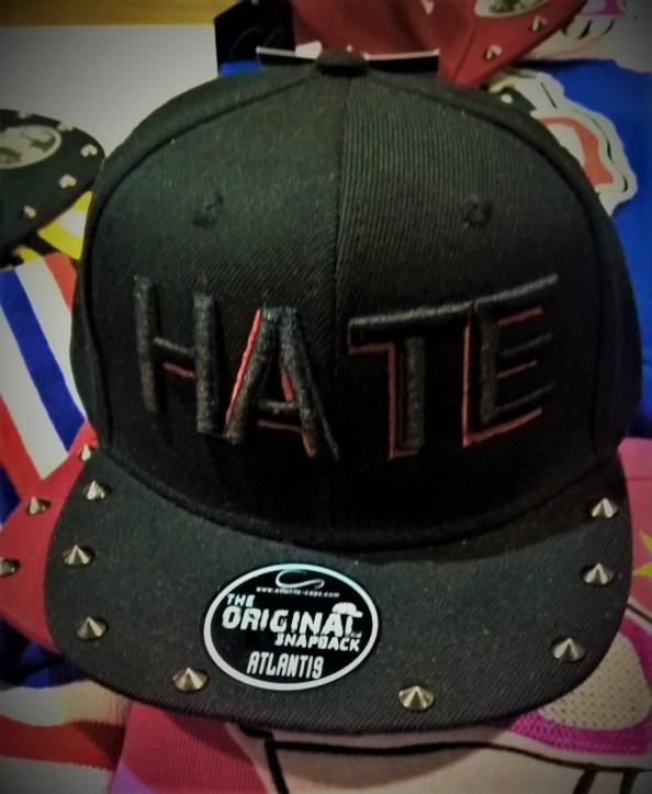 Cappellino hate