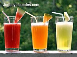 Ricas Aguas Frescas Preparadas con Frutas Naturales