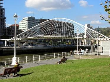 Puente Peatonal del Campo de Volant�n de Bilbao