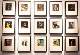 Hans Bellmer et Paul Eluard – Les jeux de la poupée 1949 – Livre imprimé avec 15 tirages gélatino argentiques d'époque hors texte coloriés à la main. Galerie Le Minotaure