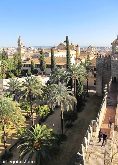 Vista del casco antiguo de Córdoba desde el Alcázar de los Reyes Cristianos
