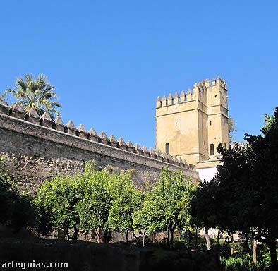 Torre de los Leones del alcázar  vista desde el Patio Morisco