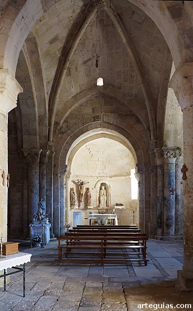 Interior de la iglesia de Butrera