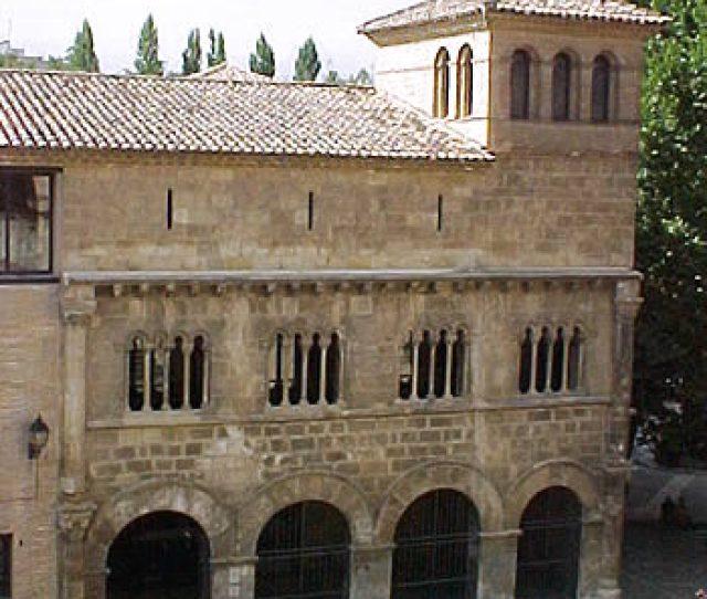 Palacio De Los Reyes De Navarra Estella Arteguias Home Garden And