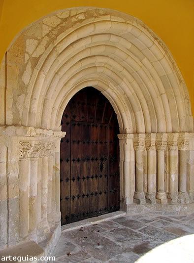 Puerta de la iglesia de Uzquiano