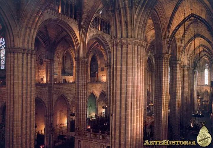 Interior De La Catedral De Barcelona Historia Del Arte