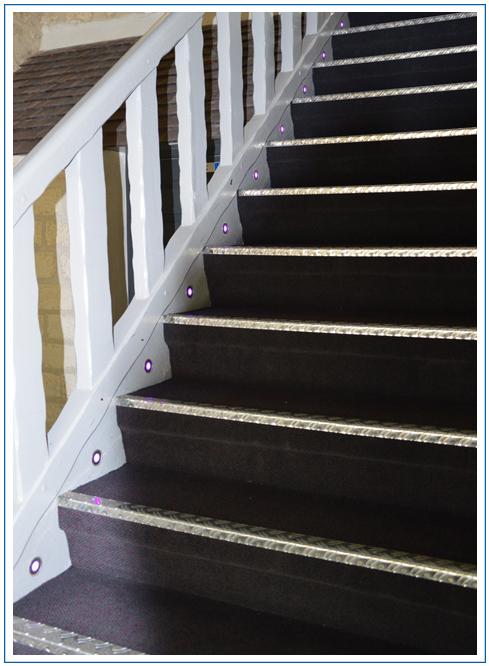 Éclairage décoratif d'escalier - LED de couleur