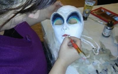 Maskenworkshop Bewegung Körpersprache Ausdruck auf der IL Deutsch Italia