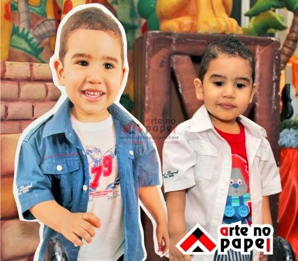 totem menino arte no papel lembrancinhas personalizadas com foto