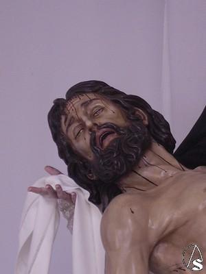 Rostro del Cristo de la Buena Muerte, en el que se aprecian los rasgos caracteristicos del resto de imágenes realizadas por el mismo autor