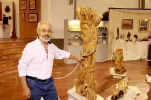 Escultura en olivo