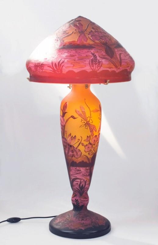 Grande lampe de style Art Nouveau de ralisation artisanale actuelle