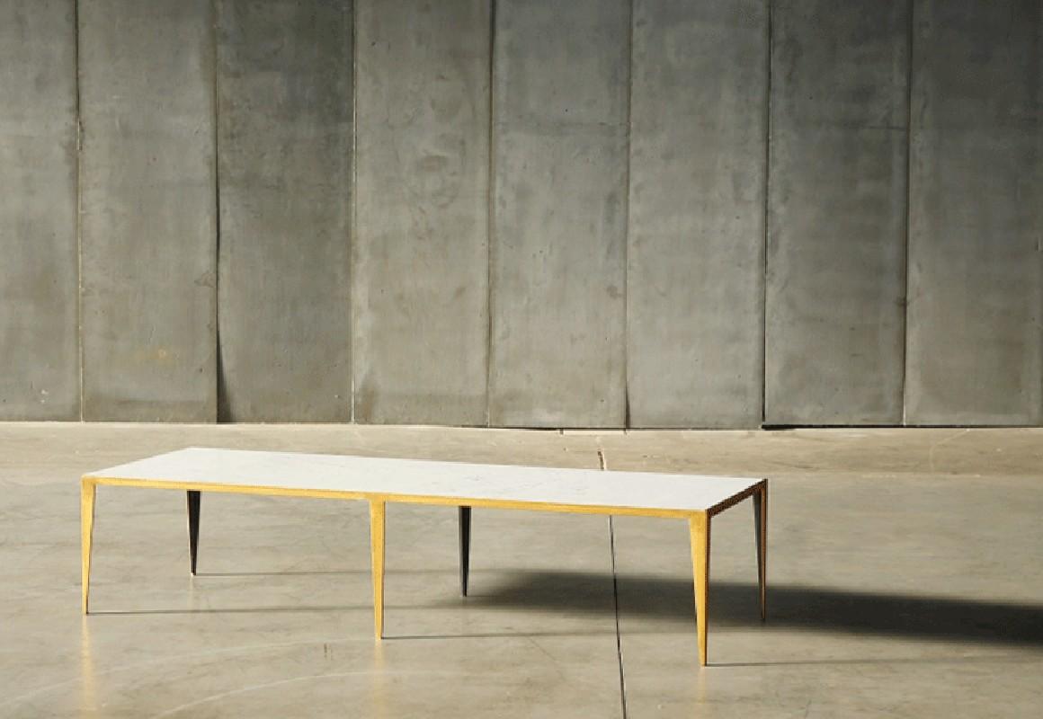 la table basse marbre blanc taiga avec