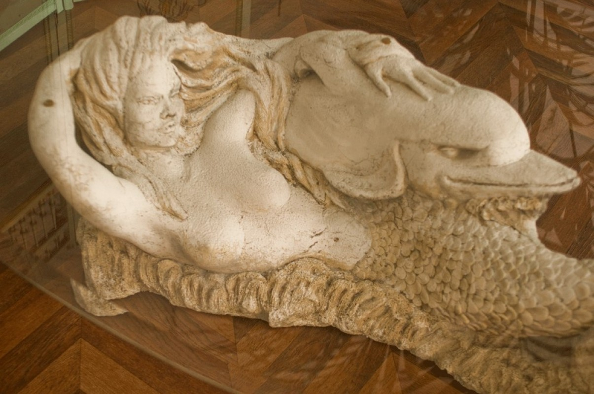 coffee table sculpted stone mermaid