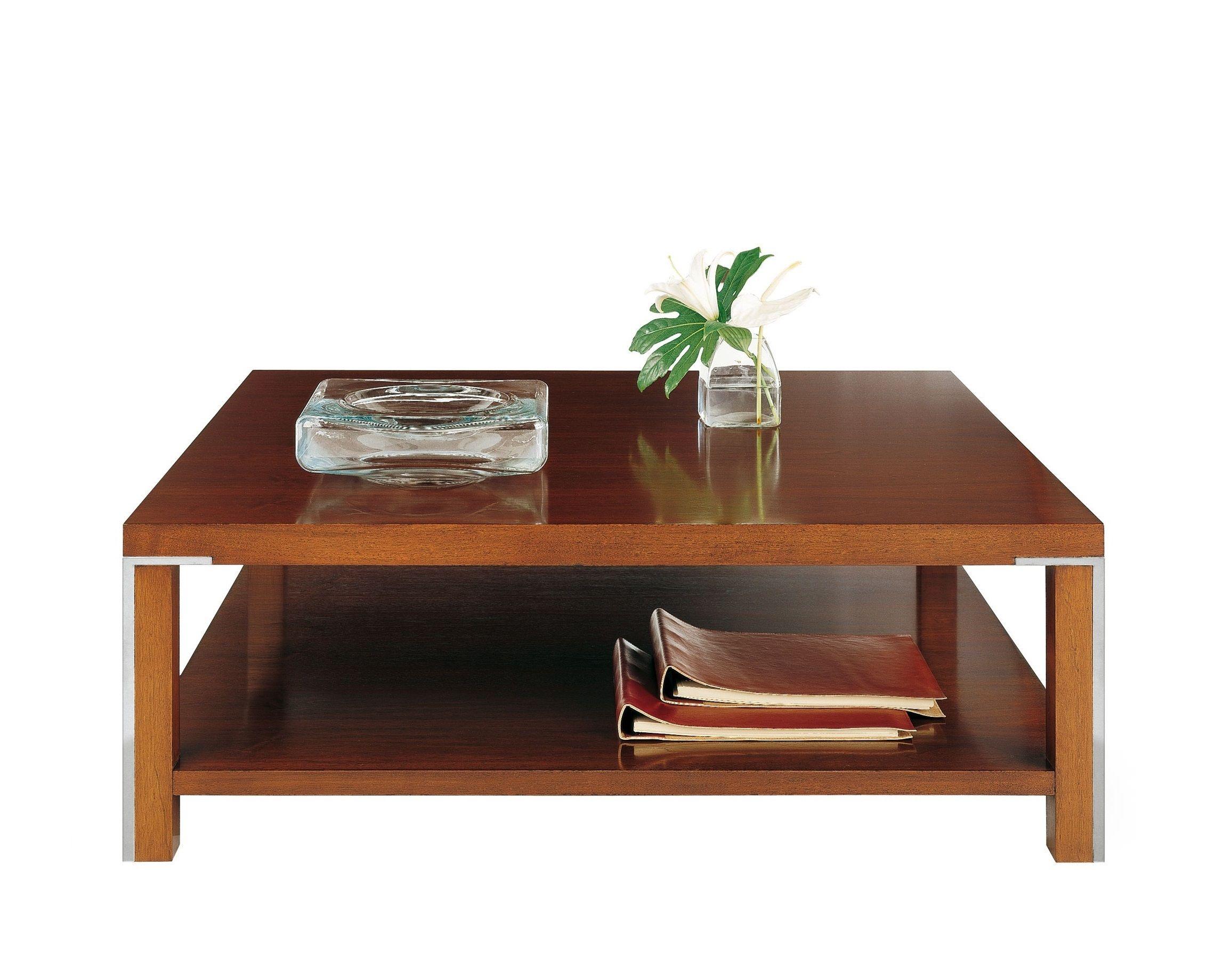 Mesa de centro con estante y detalles de acero