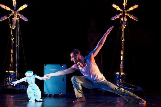 ROBOT! Chorégraphie de Blanca Li  dans le cadre de Montpellier danse 2013 avec les danseurs de la compagnie Photo By Arnold Jerocki/ArtComArt