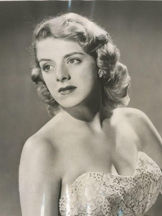 ROSEMARY CLOONEY RENOWNED SINGER AND ACTRESS CHOSEN FOR