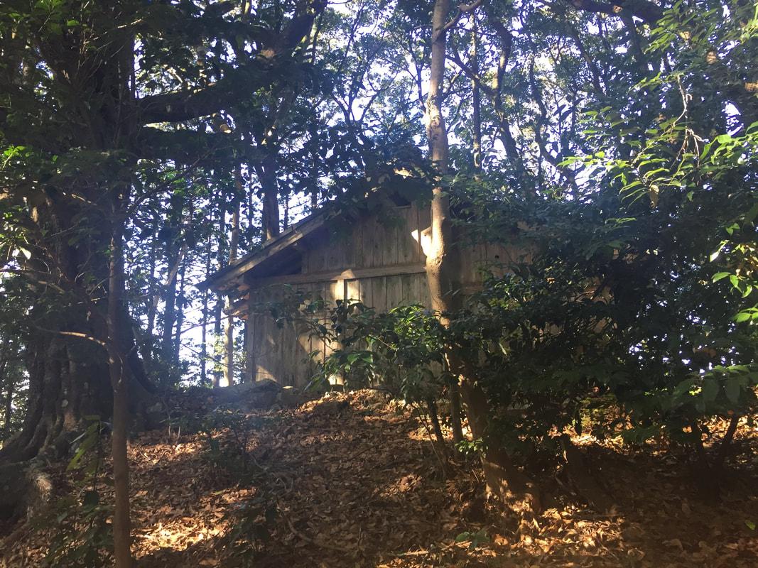 Kuil Hantu Bandit Asama Prefektur Aichi