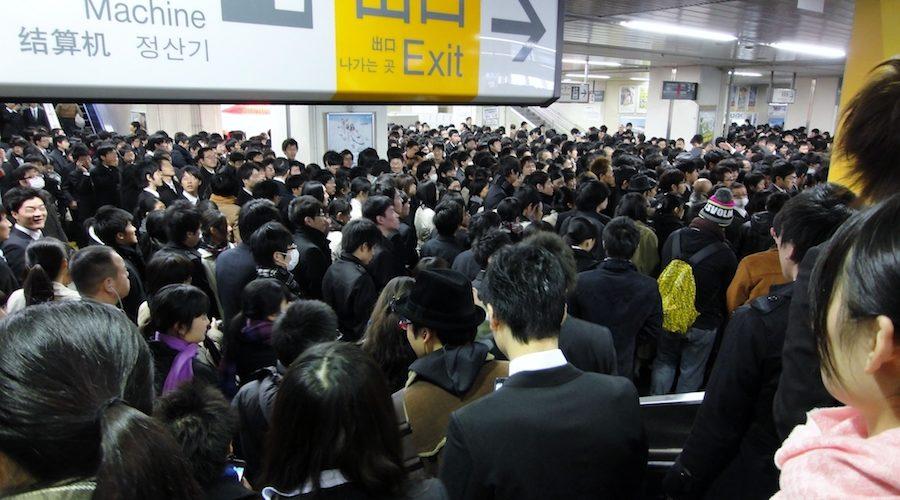 Fenomena Unik Dan Seram Dalam Kereta Jepang Berhasil Ditangkap Oleh Seorang Fotographer