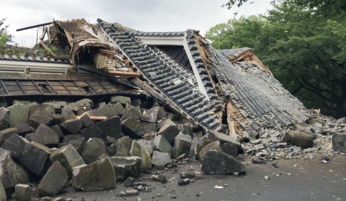 Salah Satu Menara Kastil Kumamoto Runtuh Akibat Hujan Deras