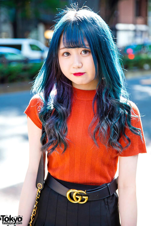 Tampil Kasual Dan Elegan Dengan Rambut Biru Keriting Oleh Arisa Harajuku Fashion Jepang