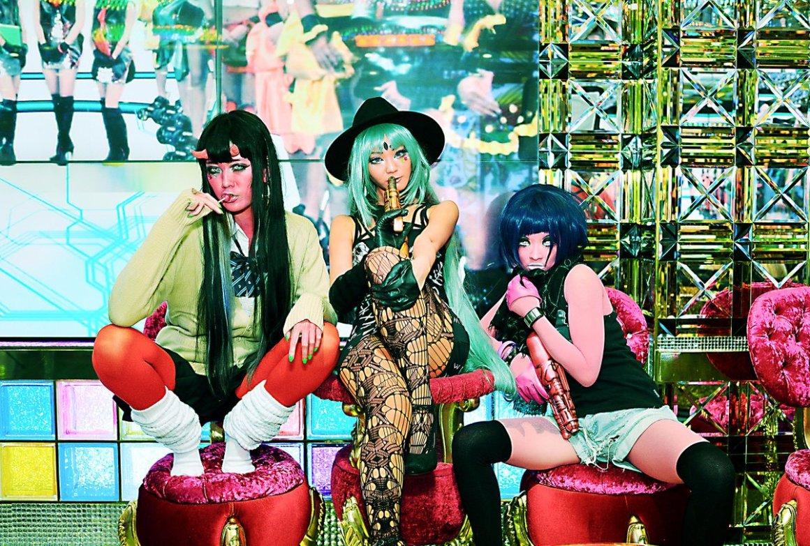 Trend Fashion Ishoku Hada Yang Unik Dan Eksentrik