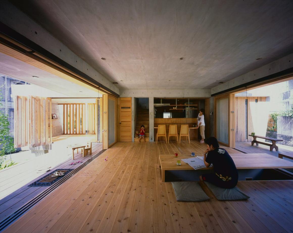 Desain Rumah Tropis Untuk Daerah Okinawa Dari Arsitek Ryuichi Ashizawa