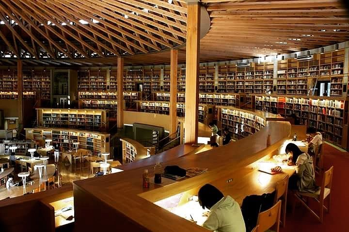 Menghabiskan Waktu Di Perpustakaan Colosseum Nakajima Sambil Membaca Dan Belajar 2