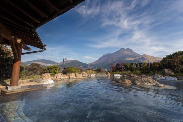 5 Atraksi Wisata Yang Menakjubkan Di Pulau Kyushu Jepang