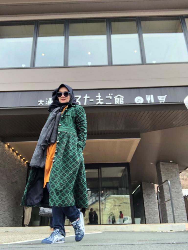 Titin Faradju Padukan Sulam Usus Lampung Dengan Harajuku Style Di Shibuya Jepang (10)