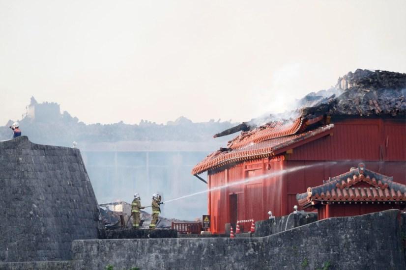 Kebakaran Besar Menghanguskan Kastil Shuri Di Prefektur Okinawa
