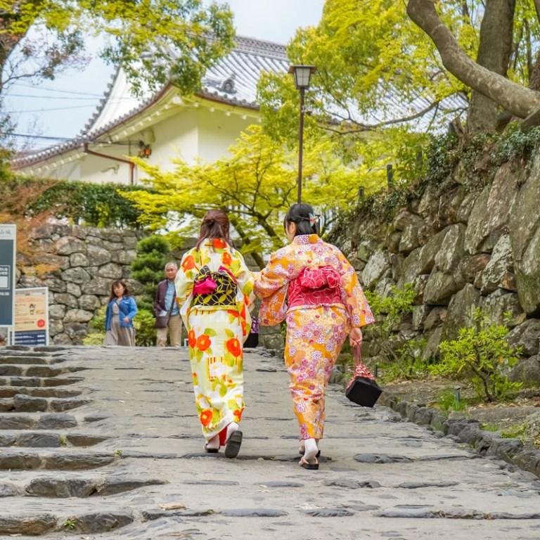 5 Destinasi Wisata Terbaik & Cocok Untuk Para Traveler Wanita Di Jepang