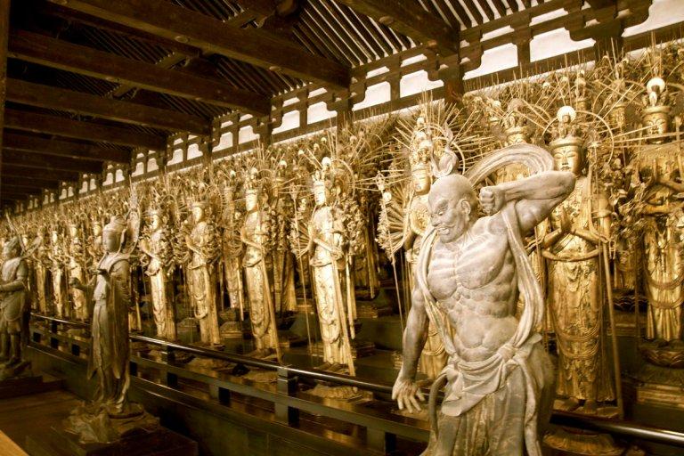 Mengenal Sejarah Kuil Sanjusangen-do Yang Menyimpan 1001 Patung