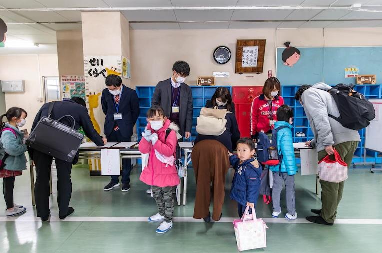 Kebijakan Shinzo Abe Untuk Meliburkan Sekolah Karena Virus Corona Mendapat Banyak Keluhan Masyarakat Jepang