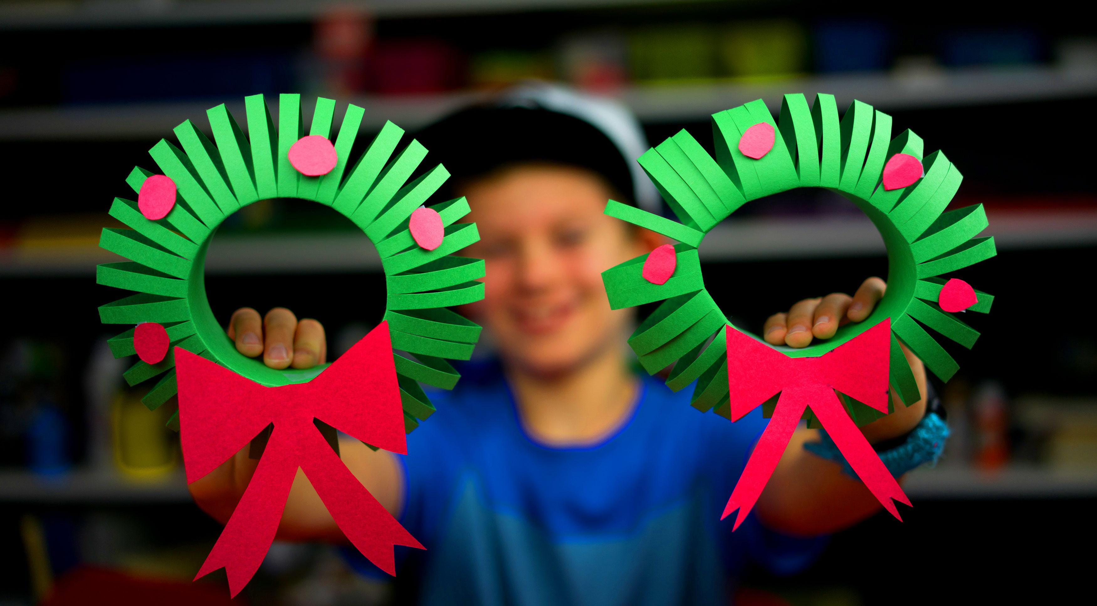 How To Make A 3D Christmas Wreath Art For Kids Hub