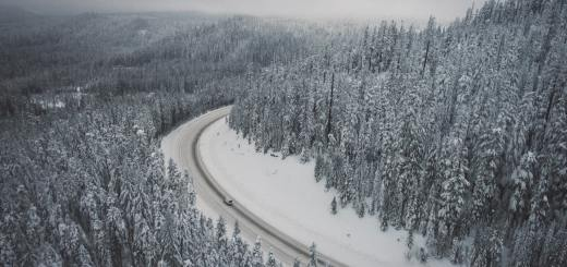 car mountains snow