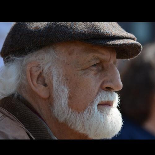 Tyylikäs vanha mies