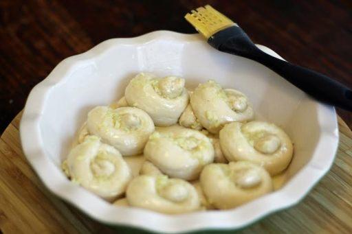 garlic knots pre-baking