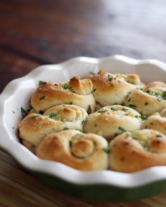 delicious garlic knots