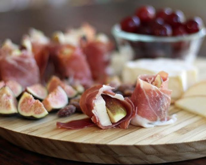 Fig Brie and Prosciutto Bites