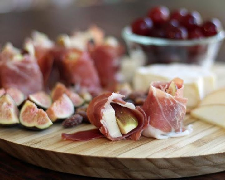 Fig, Brie and Prosciutto Bites on an Appetizer Plate | www.artfuldishes.com