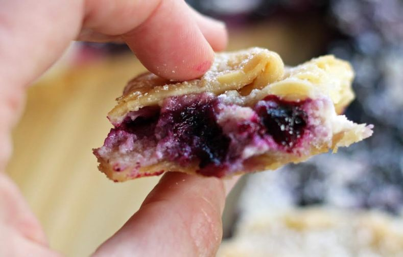 Perfect Ratio of Filling to Crust! Blueberry Cheesecake Crostada | www.artfuldishes.com