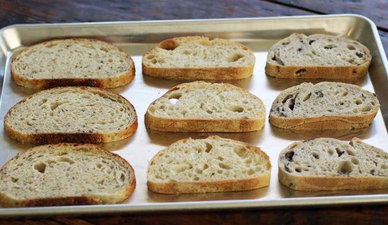 Toasting Bread for Brushetta | www.artfuldishes.com