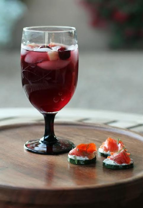 Festive Red Wine Sangria and Cucumbers with Herbed Cheese and Smoked Salmon | www.artfuldishes.com